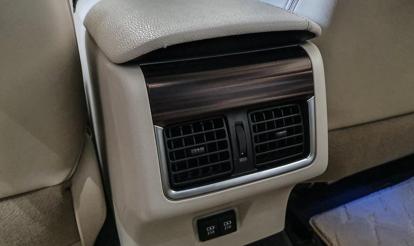 Sedan hạng D Toyota Camry 2019 20