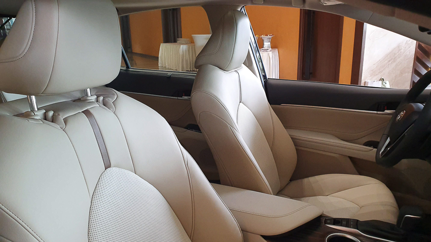 Sedan hạng D Toyota Camry 2019 24