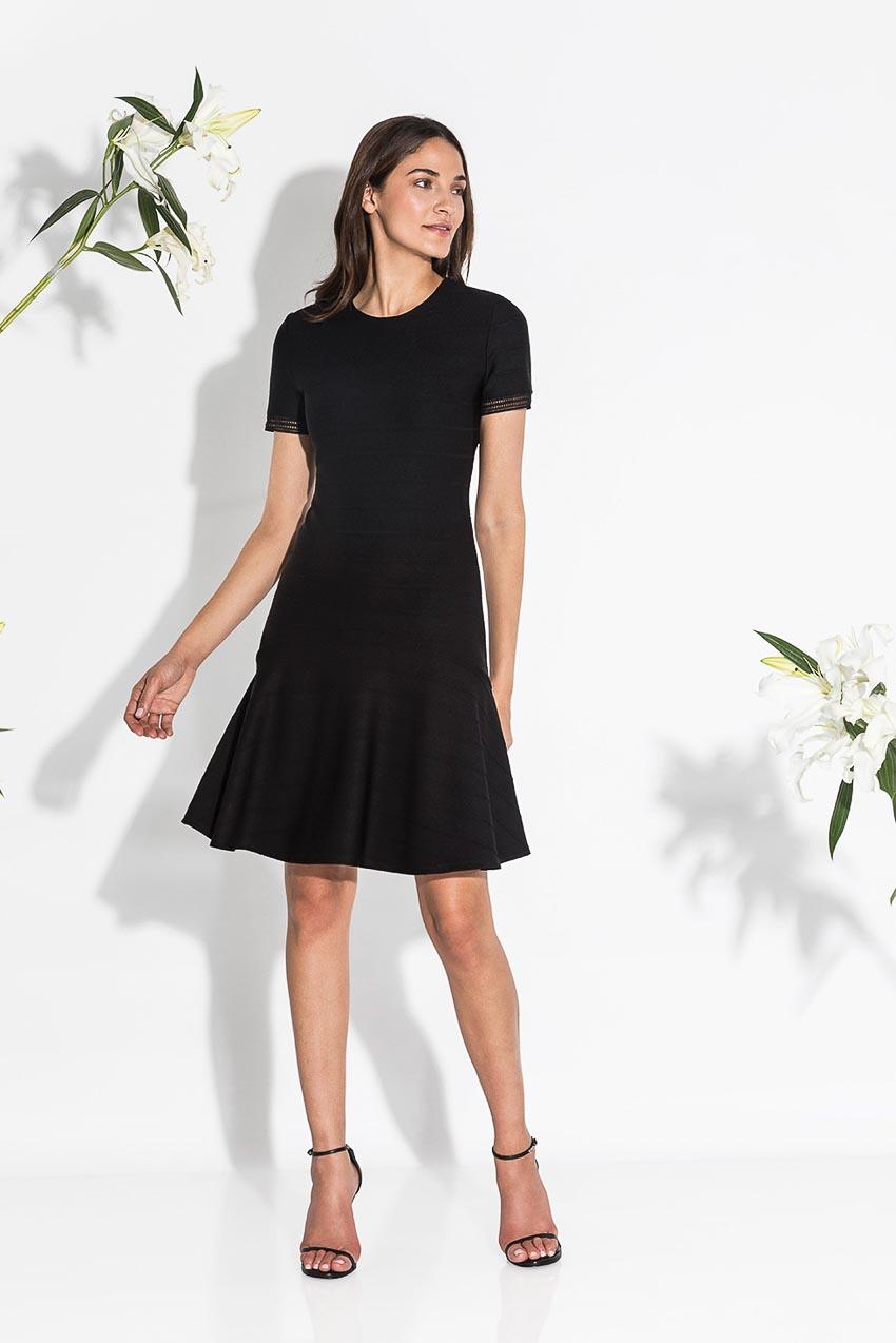 5 kiểu little black dress vượt thời gian mà bạn nên sở hữu 13