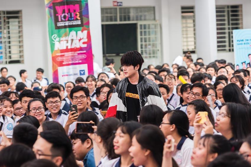 Hàng chục ngàn học sinh chào hè 2019 sôi động cùng VTM Tour 25