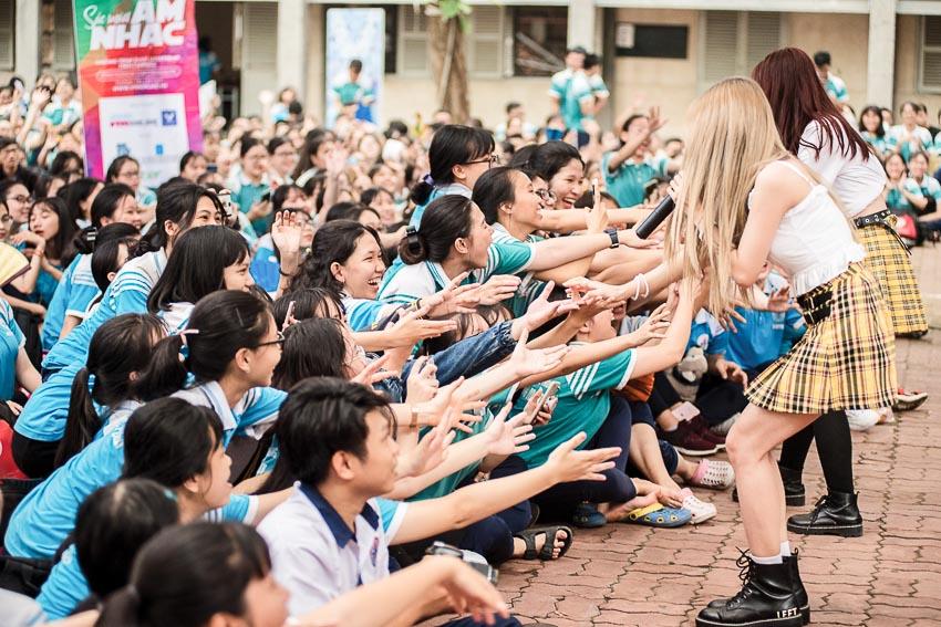 Hàng chục ngàn học sinh chào hè 2019 sôi động cùng VTM Tour 8