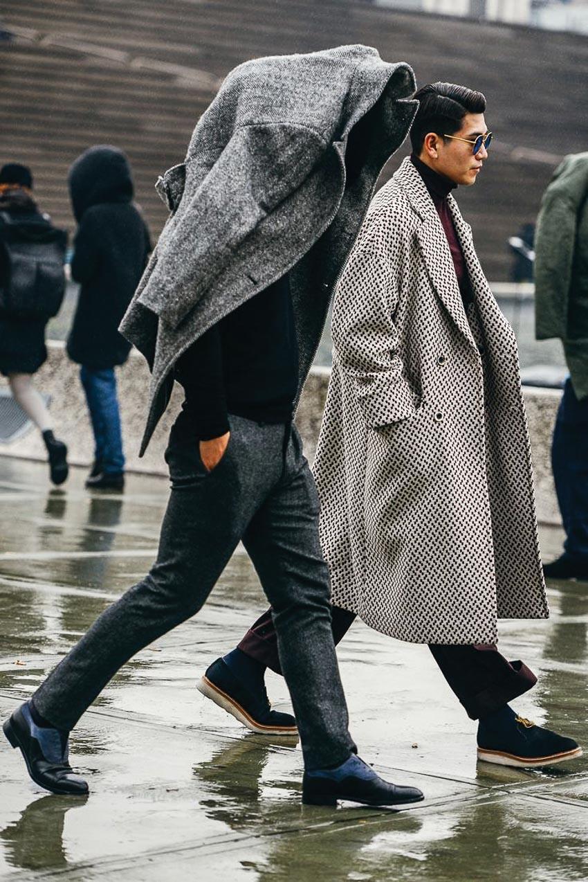 Nam giới nên mặc gì vào mùa mưa? 4