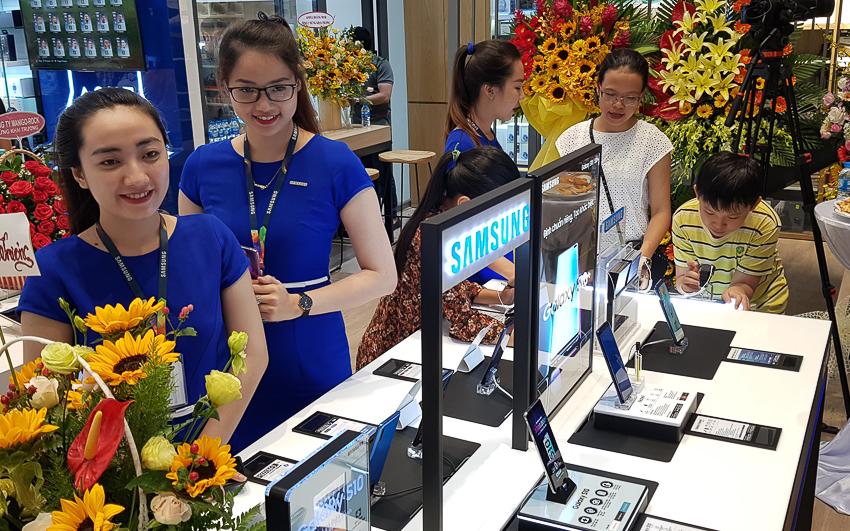 Mai Nguyên khai trương Flagship Store quy mô lớn nhất tại Việt Nam - 33