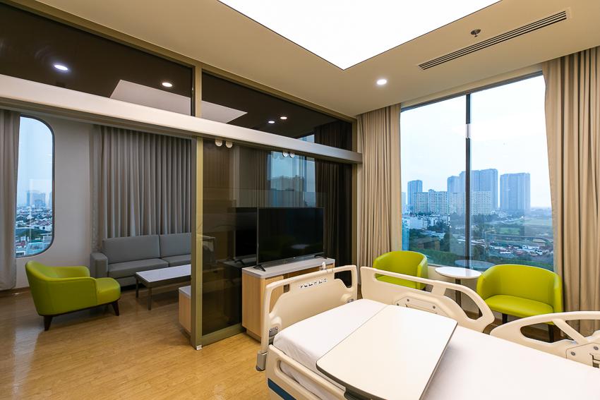 Bệnh viện Quốc tế Mỹ hợp tác chuyên môn với Johns Hopkins - 26