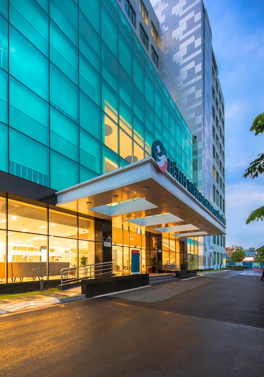 Bệnh viện Quốc tế Mỹ hợp tác chuyên môn với Johns Hopkins - 29
