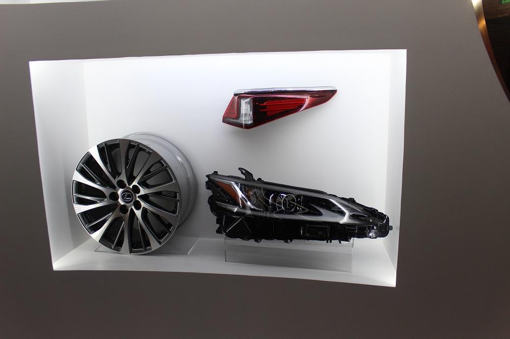 """Công chiếu phim bom tấn """"MIB"""" siêu đặc vụ áo đen với siêu xe thể thao Lexus RC F - 1"""