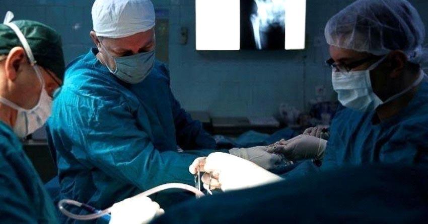 Giải phẫu gỡ vật gây nổ ra khỏi cơ thể người - 2