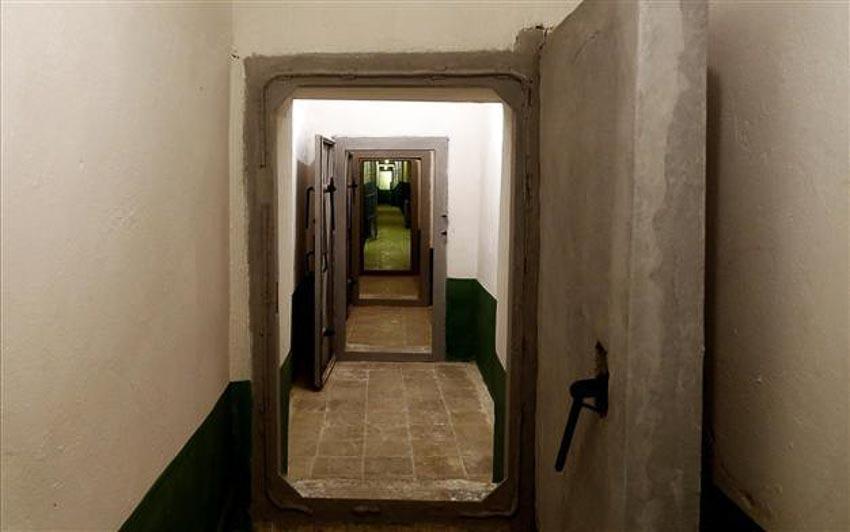 Albania mở cửa bunker ngầm thời Chiến tranh Lạnh tuyệt mật của Enver Hoxha để chào đón công chúng đến tham quan