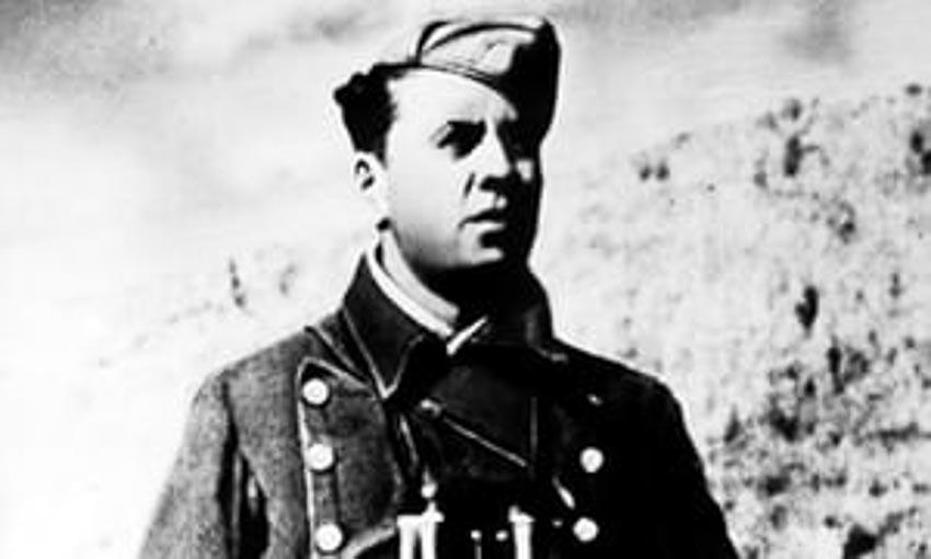 Enver Hoxha năm 1942