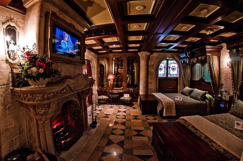 Dãy phòng bí mật của lâu đài Cinderella