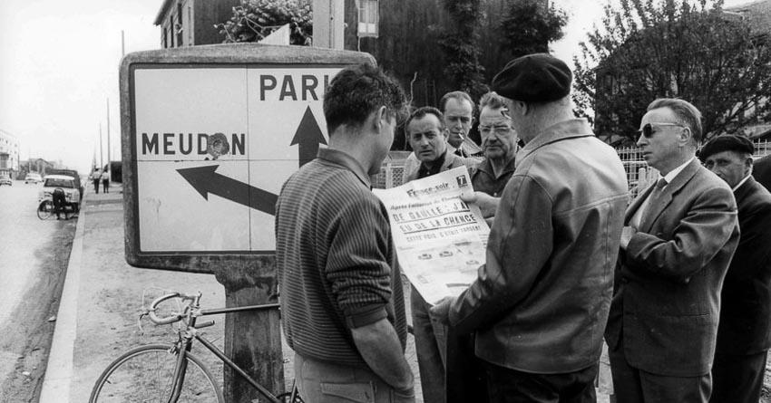 Người dân Pháp lo ngại sức khỏe Tổng thống De Gaulle sau vụ ám sát hồi tháng 8.1962