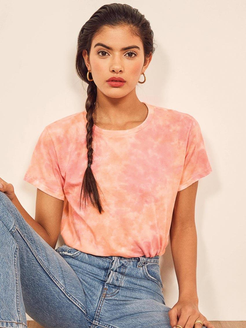 Bộ đôi jeans và áo phông: Kết hợp sao cho tươi mới? 10