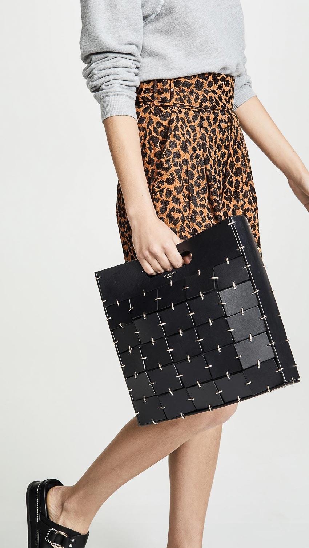 Các thiết kế túi black & white mới nhất 11
