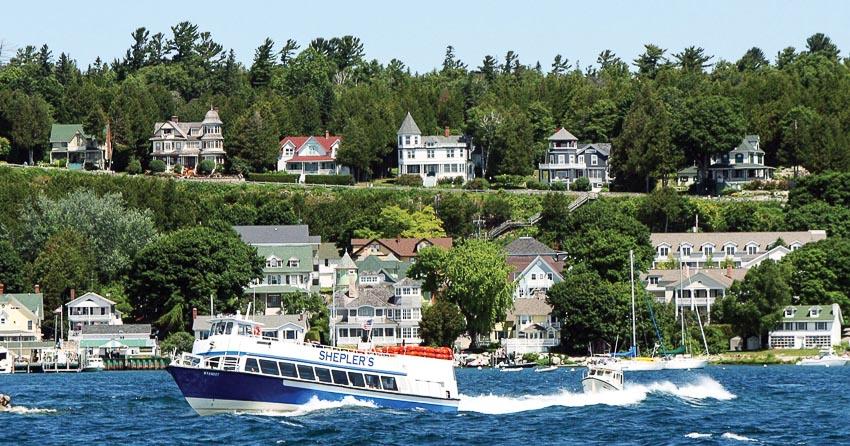 Sống chậm trên đảo Mackinac ở Mỹ - 4