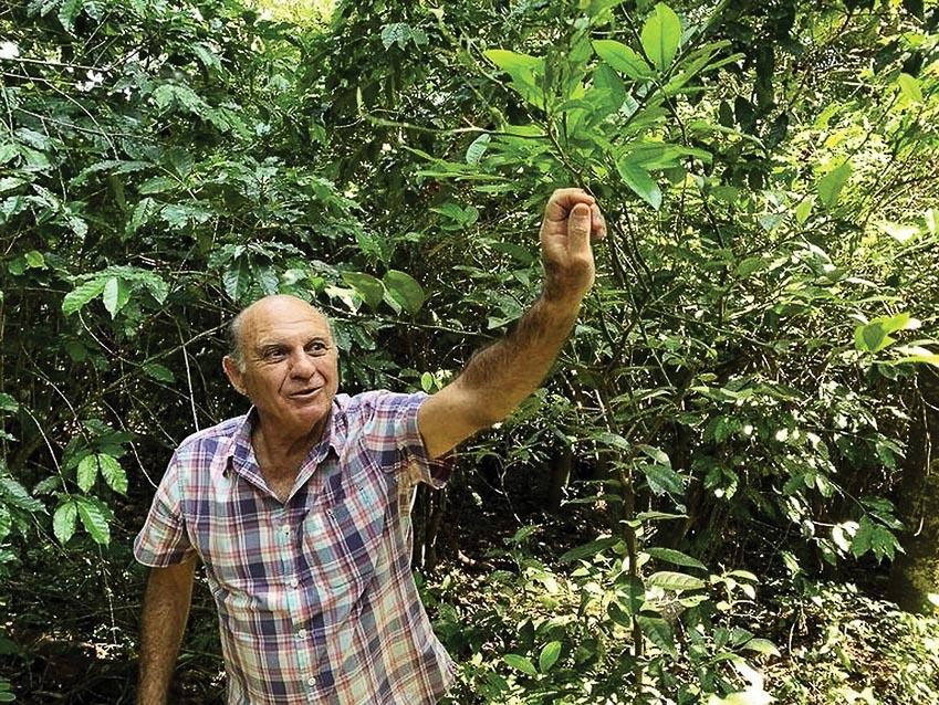 Ông Jaão Neto, chủ trang trại cà phê Fazenda Santo Antônio
