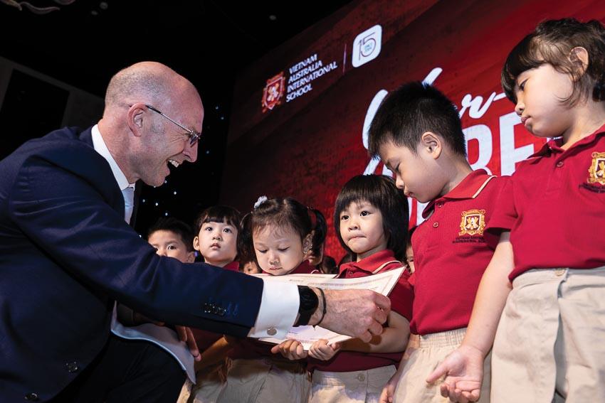 Lễ tổng kết năm học của Trường Quốc tế Việt Úc - 1