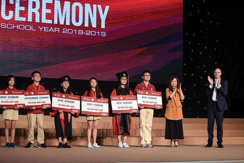 Lễ tổng kết năm học của Trường Quốc tế Việt Úc - 9