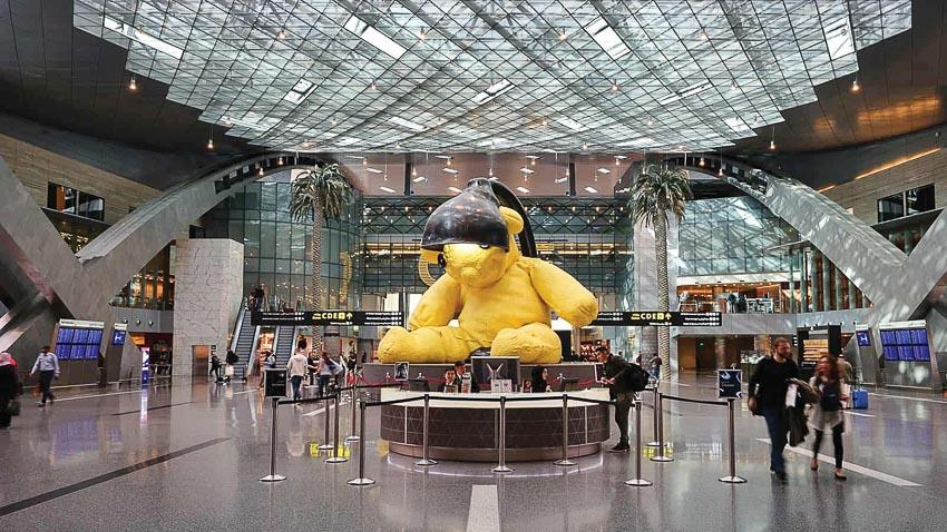 Lamp Bear trong sân bay Hamad