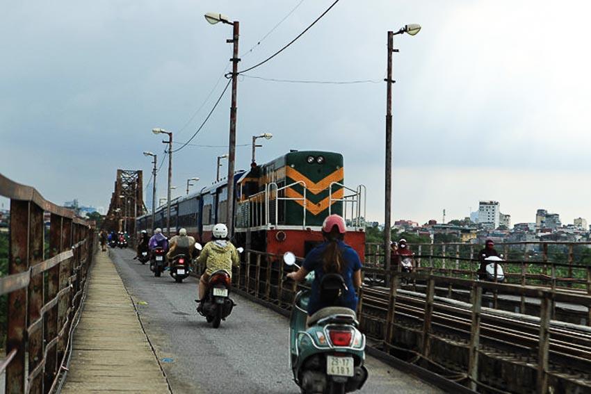 Đường sắt Bắc - Nam hiện hữu đã khai thác hơn 100 năm, nhiều đoạn xuống cấp