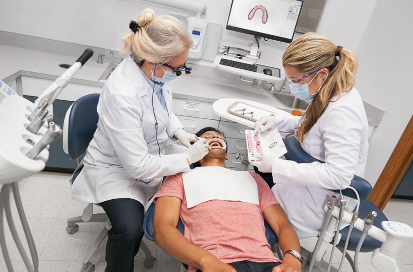 Niềng răng 3M Clarity Ultra, ứng dụng công nghệ vì nụ cười đẹp tự nhiên - 11