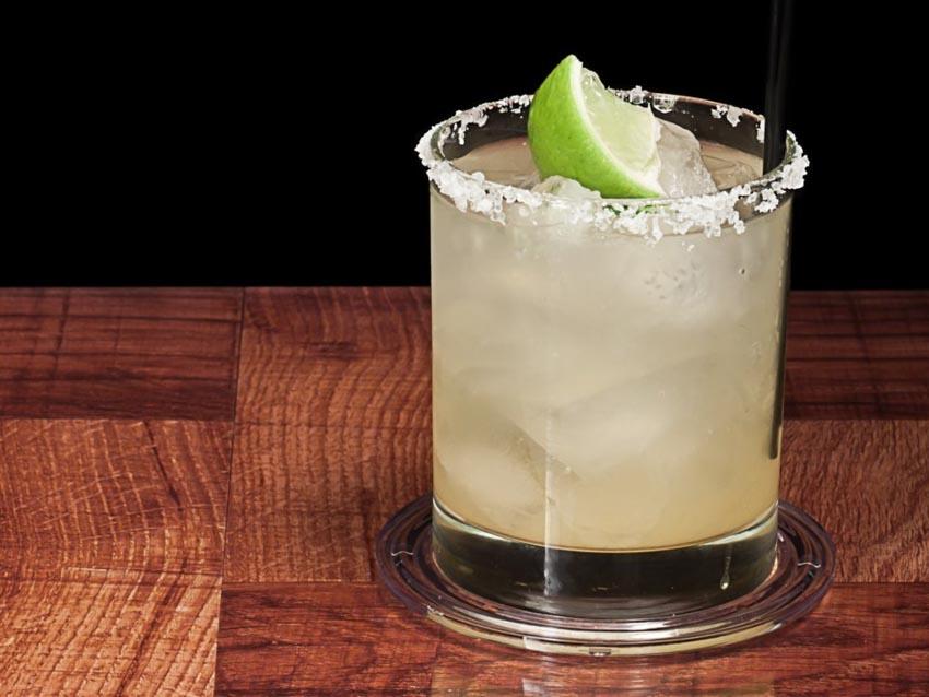 11 loại cocktail đơn giản giải nhiệt mùa hè mà bạn có thể tự làm - 1
