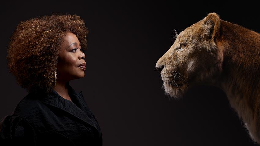 Bộ phim Lion King tung hình diễn viên lồng tiếng đối diện với nhân vật của mình - 4
