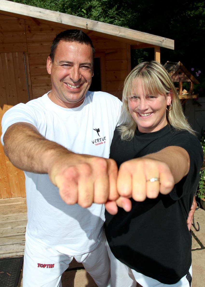 Cặp vợ chồng có đôi tay mạnh nhất thế giới - 3