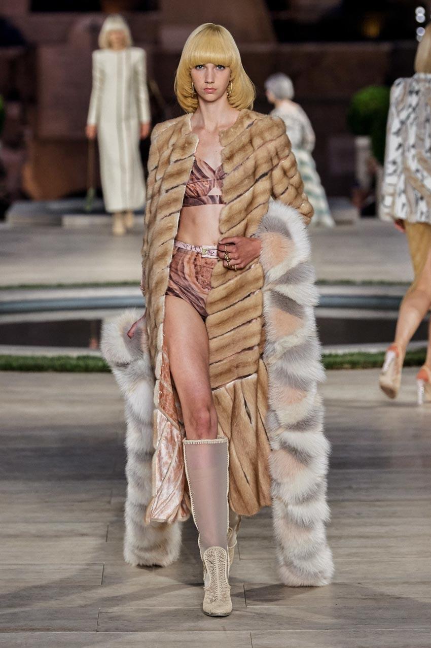 Fendi Haute Couture Thu-Đông 2019 Thập niên 70 hoàng kim - 5