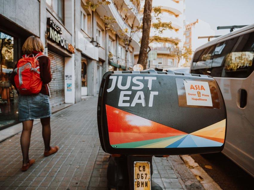 """Just Eat bắt tay Takeaway.com tạo ra """"ông lớn"""" trong lĩnh vực giao đồ ăn -1"""