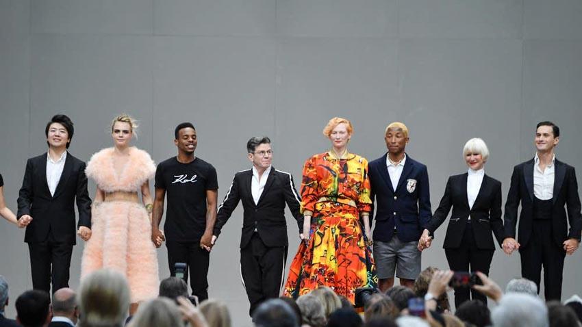 Lễ tưởng niệm NTK Karl Lagerfeld đầy sắc màu Karl for Ever - 2