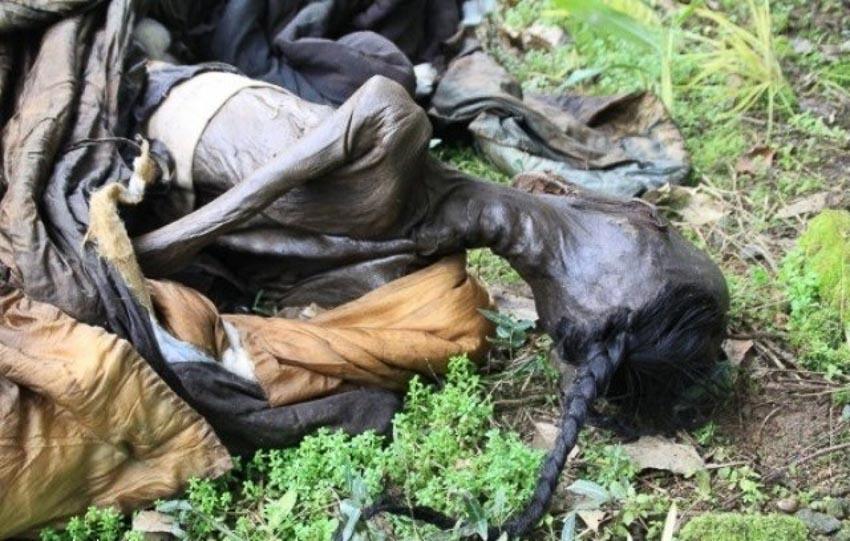 Một thi thể quan viên triều Thanh ở Phúc Kiến bị mộ tặc vứt ra bên ngoài