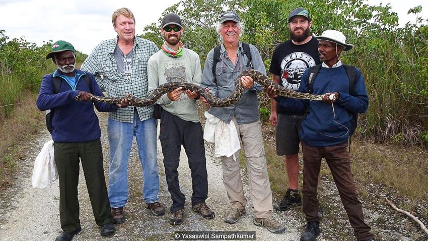 Cuộc sống của những người săn nọc rắn độc tự nhiên - 6