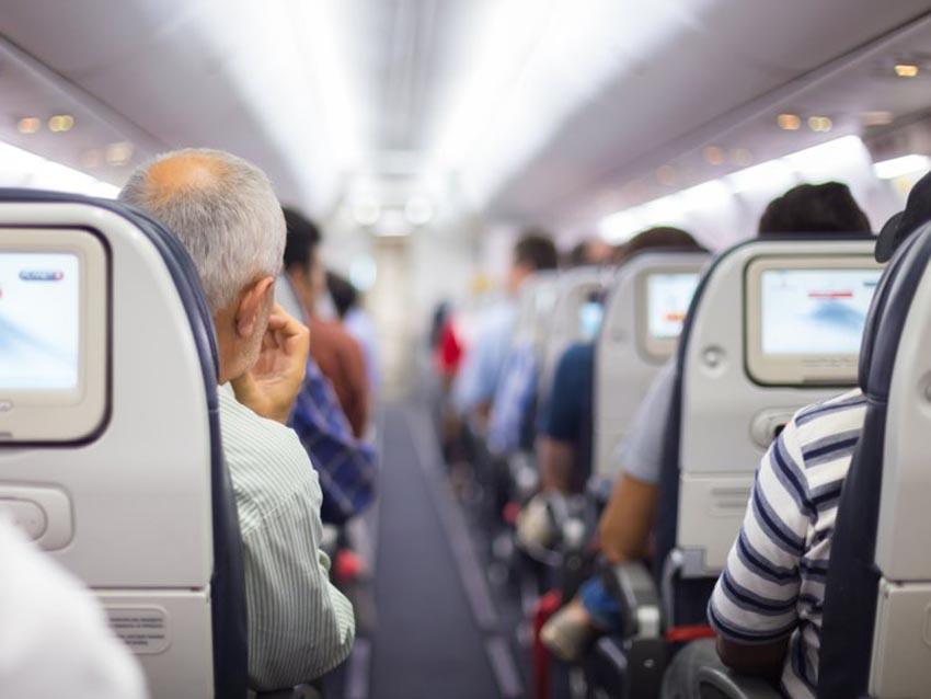 Những hành khách bất trị khiến các hãng máy bay phải hạ cánh khẩn cấp - 4