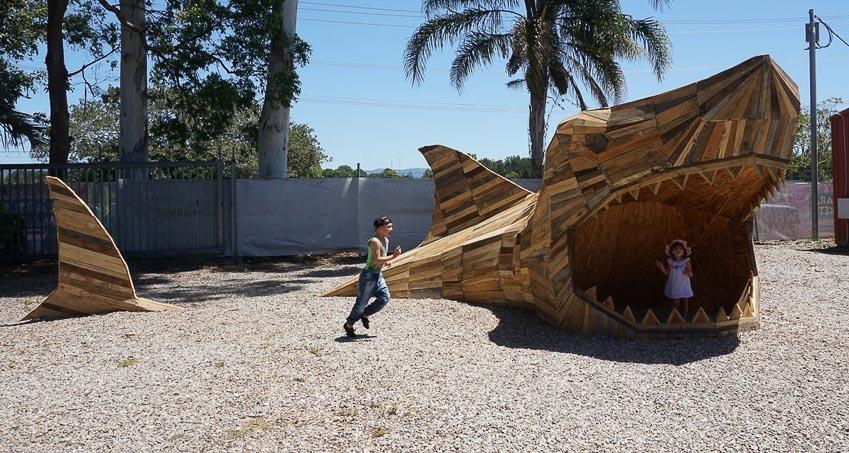 Những tác phẩm điêu khắc khổng lồ của Thomas Dambo - 6