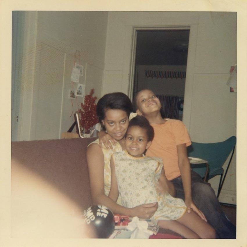 Đoạn trích độc quyền từ quyển hồi ký của Michelle Obama: Tình yêu của người mẹ - 3