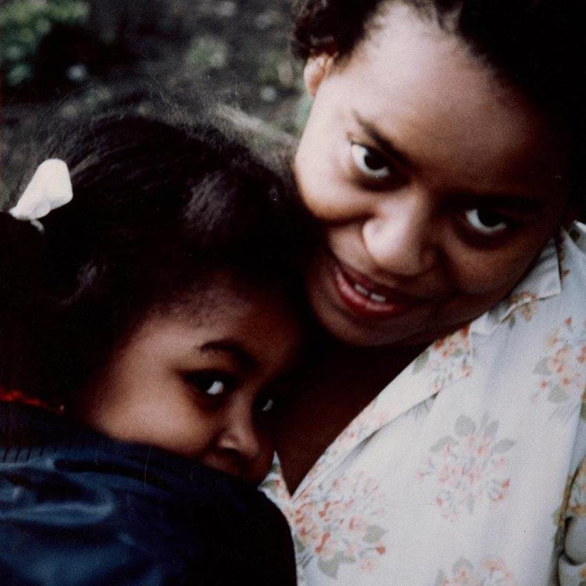 Đoạn trích độc quyền từ quyển hồi ký của Michelle Obama: Tình yêu của người mẹ - 5