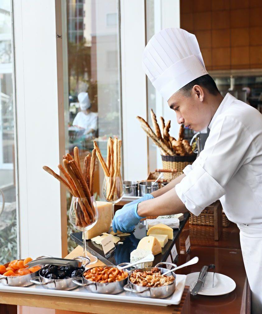 tiệc buffet tại Nhà hàng Atrium Café - 9
