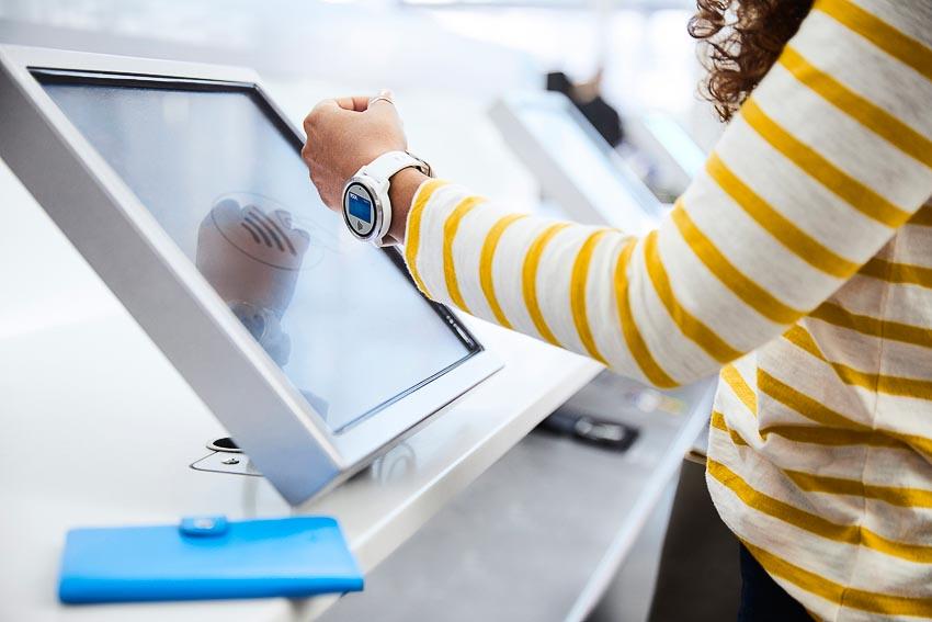 Visa ứng dụng trí tuệ nhân tạo (AI) giúp ngăn chặn gian lận - 2