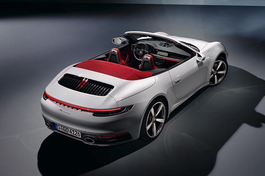 Porsche giới thiệu 911 Carrera Coupé và 911 Carrera Cabriolet mới - 11