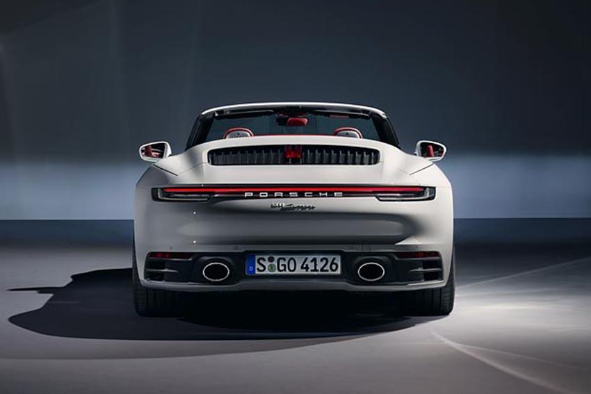 Porsche giới thiệu 911 Carrera Coupé và 911 Carrera Cabriolet mới - 06