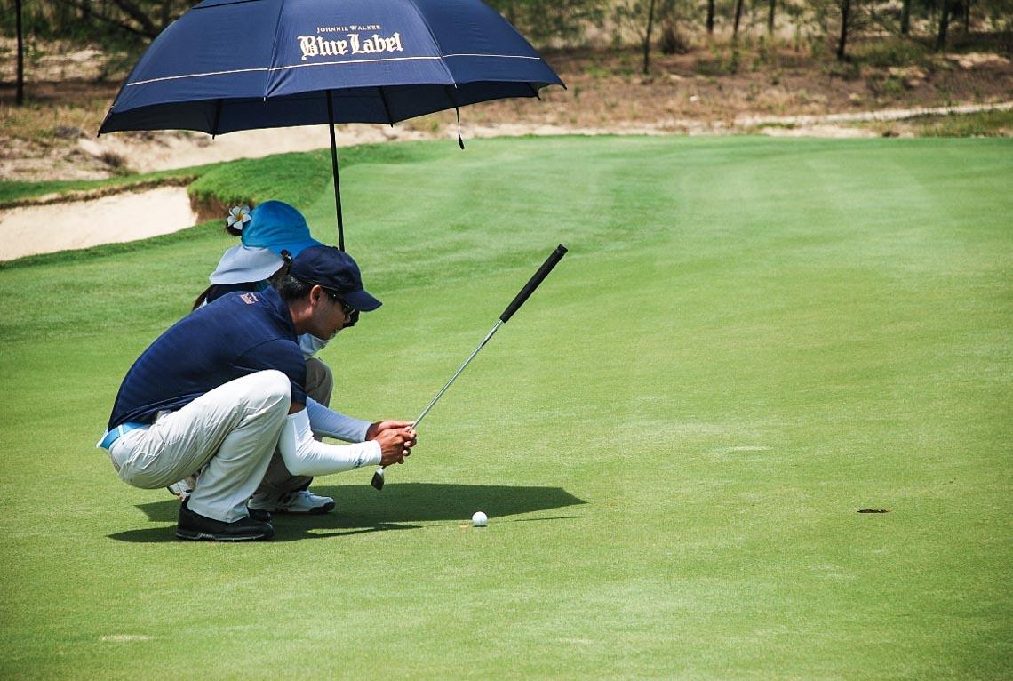 Cuối tuần, cùng sếp ra sân chơi đánh golf - 2