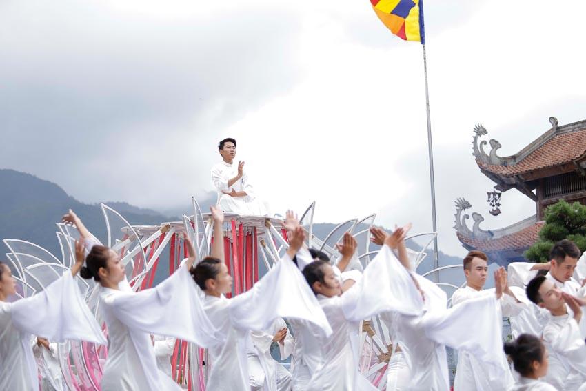 Đạo diễn Phạm Hoàng Nam: Tôi làm Vũ điệu trên mây bằng cả trái tim! - 1
