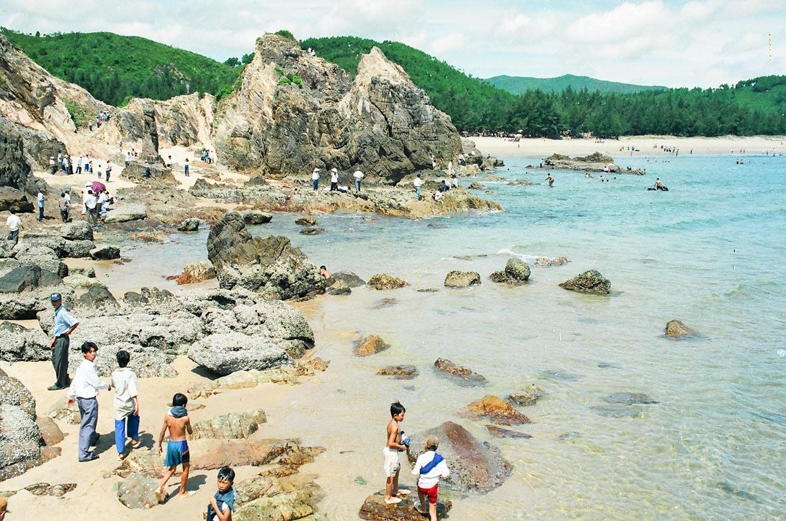Đèo Đá Nhảy, vẻ đẹp độc đáo của biển Quảng Bình - 3