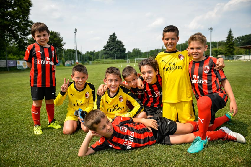 Học viện đào tạo bóng đá AC Milan Hà Nội bắt đầu chiêu sinh - 3