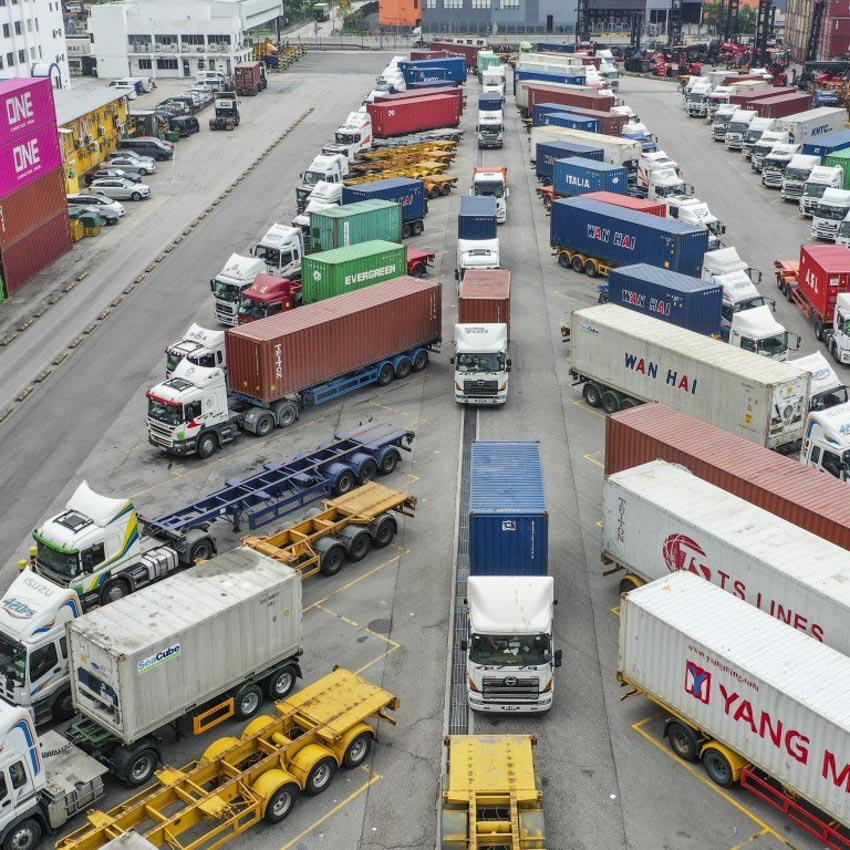 Kinh tế Hong Kong bị ảnh hưởng nặng nề bởi bất ổn chính trị - 1