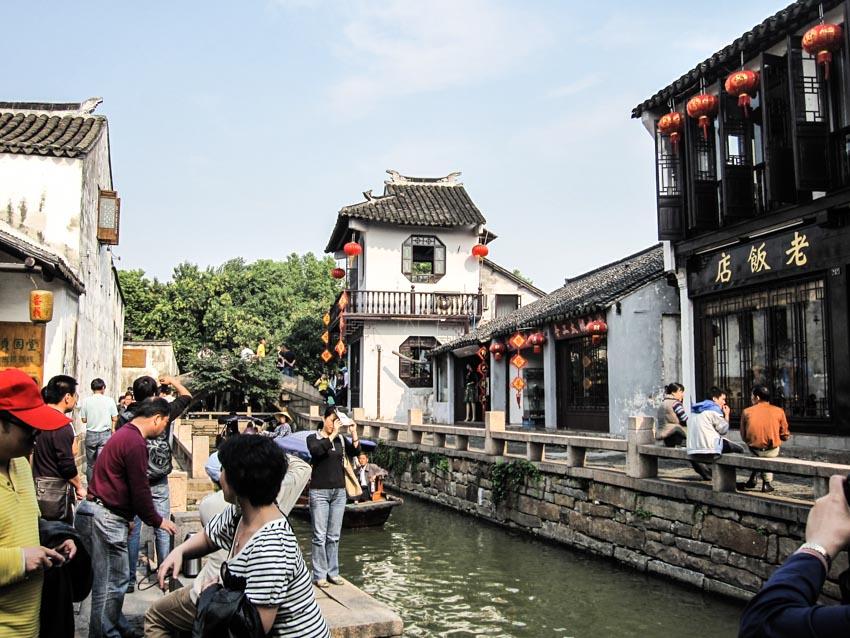 Chuyện ở làng cổ Chu Trang - 16