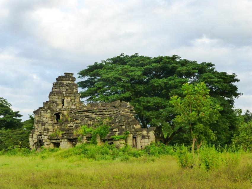 Những ngôi đền bị lãng quên tại xứ chùa Tháp - 8