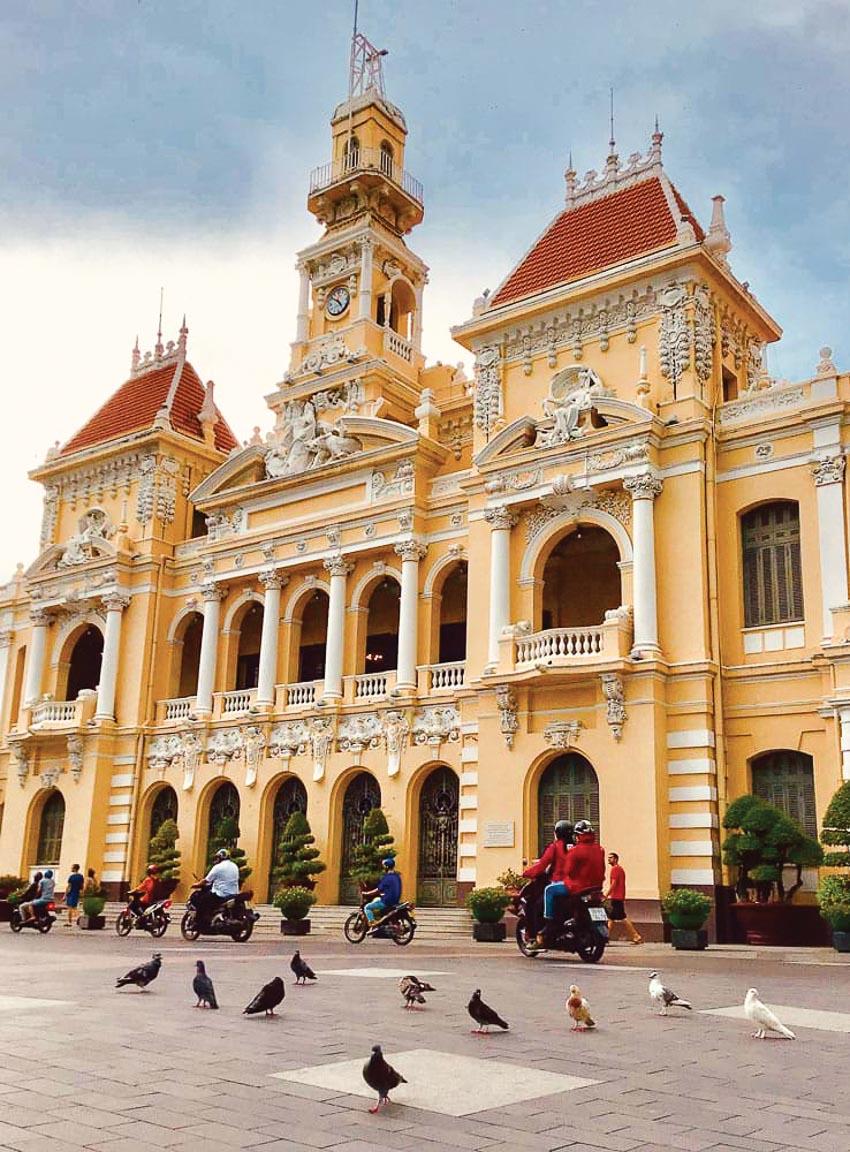 Tòa thị chính Sài Gòn - Lâu đài trăm năm bao giờ rộng cửa? - 6