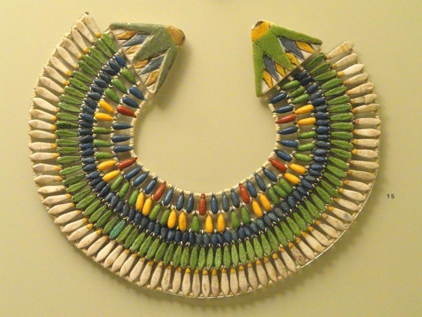 Trang sức của Ai Cập - Những ngôi cổ mộ khai quật nên trào lưu châu báu - 13