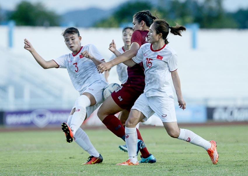 10 người Việt Nam đá bại Thái Lan, vô địch bóng đá nữ Đông Nam Á 2019 - 2
